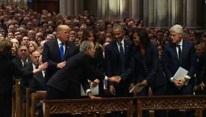Bush comparte un momento dulce con Michelle Obama