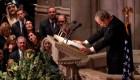 Washington ofrece un emotivo adiós a George Bush padre