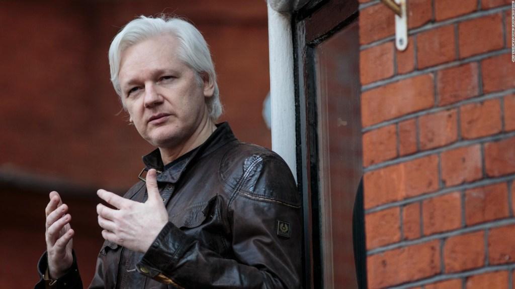 """Juan Sebastián Roldán: """"Si hay un incumplimiento en el protocolo, Assange tendrá que retirarse de la embajada"""""""