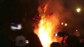 "Guatemaltecos celebraron ""la quema del diablo"""