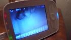 Una pareja entró en pánico luego de que hackearon el monitor de su bebé
