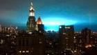 ¿Qué son esas luces azules en el cielo de Nueva York?
