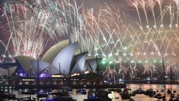 El mundo recibe el 2019 con fiesta y fuegos artificiales