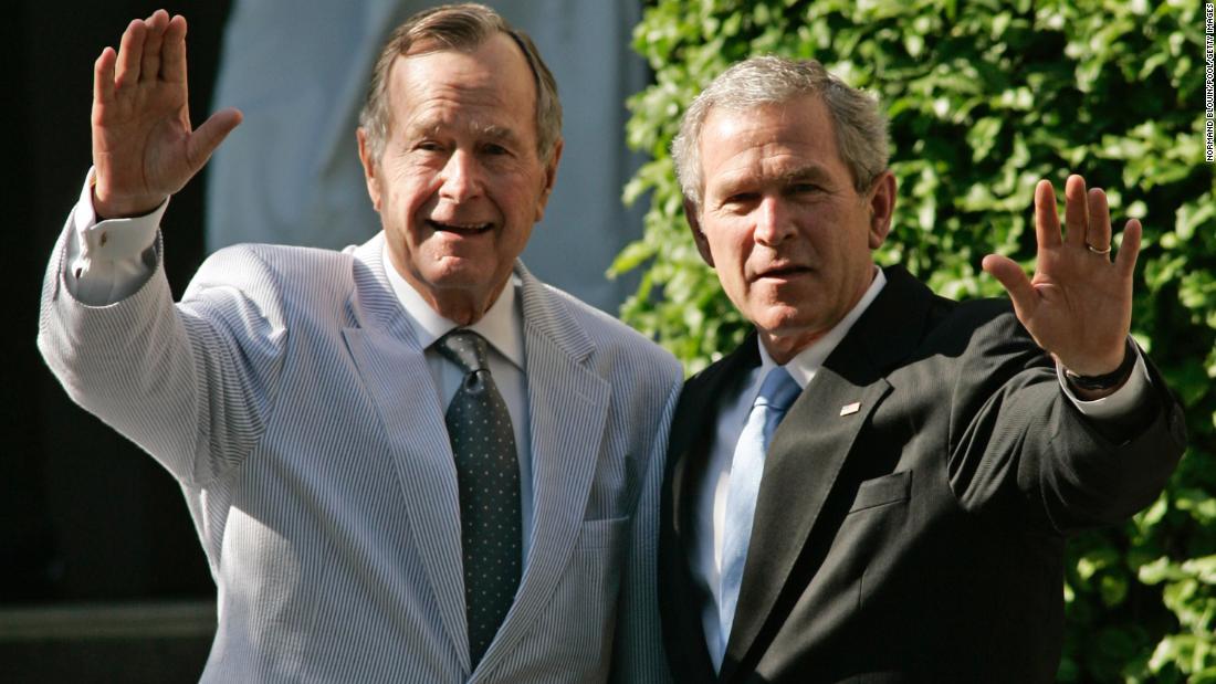 Las últimas palabras del expresidente George Bush padre dichas a su hijo  George W. Bush | CNN