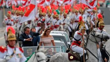 Caballo bloquea por unos segundos procesión de Bolosnaro