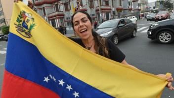 Perú pide a venezolanos renovar su residencia