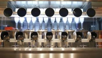 Adéntrate al primer restaurante robótico del mundo
