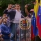 Guaidó jura asumir las competencias de ejecutivo