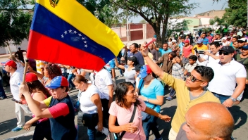Esperanza e incertidumbre entre venezolanos en la frontera con Colombia