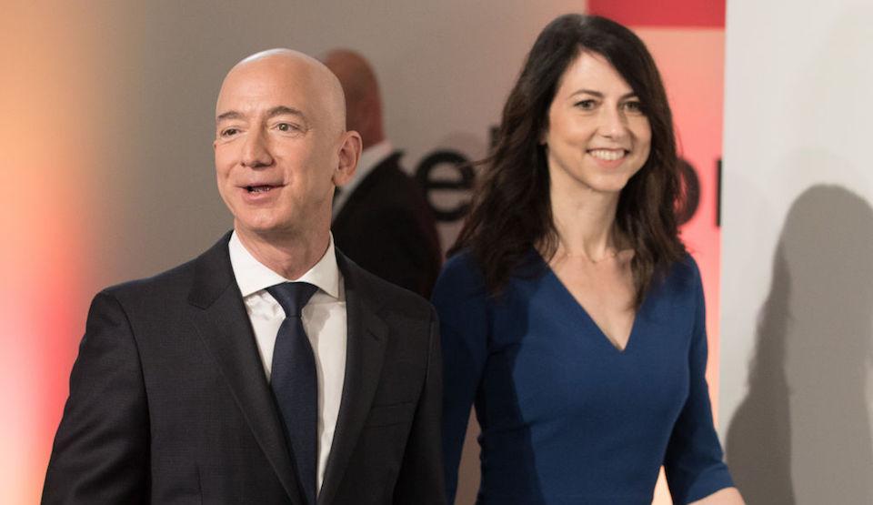 Jeff Bezos y MacKenzie Bezos anunciaron su divorcio. (JORG CARSTENSEN/AFP/Getty Images)