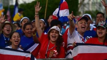 Peregrinos de todo el mundo se congregan en el centro histórico de la ciudad de Panamá esperando la llegada del papa Francisco para la Jornada Mundial de la Juventud. Crédito: JOHAN ORDONEZ / AFP / Getty Images