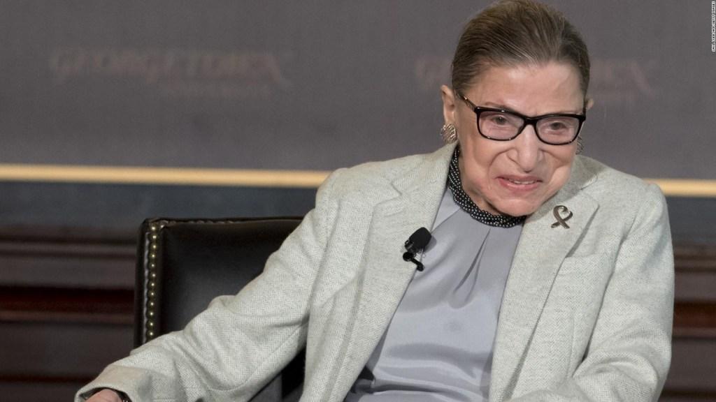 La jueza Ruth Bader Ginsburg regresa a su trabajo