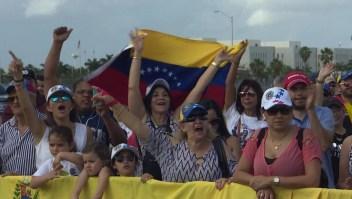 Venezolanos en Miami se manifiestan a favor de Guaidó