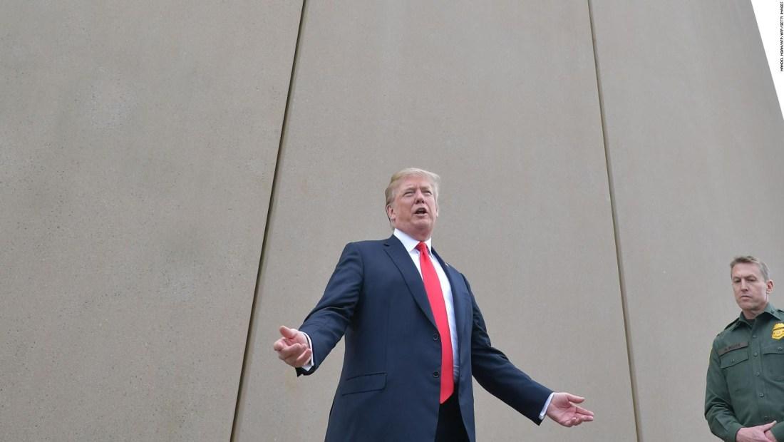 Trump firma presupuesto, pero declararía emergencia nacional
