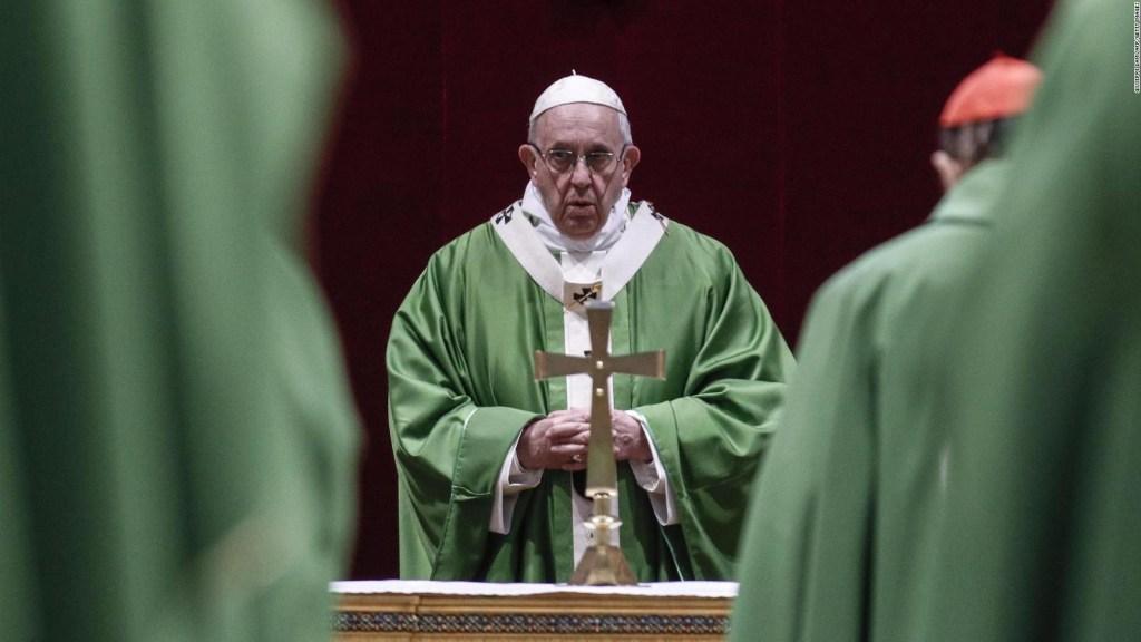 Francisco llama a batallar contra los abusos a menores