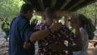 CNN acompaña a militar venezolano a entregarse en Colombia