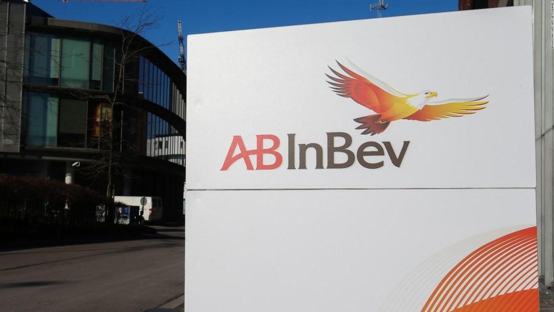 Anheuser-Busch InBev vence estimaciones y acción sube