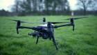 Estos drones pueden volar durante horas gracias a un cable