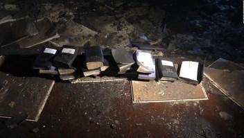 Biblias quedan intactas tras incendio