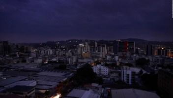 """Gobierno de Maduro acusa a EE.UU. de gestar """"guerra eléctrica"""" en Venezuela"""