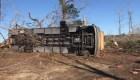Tornado en Alabama volteó hasta autobuses