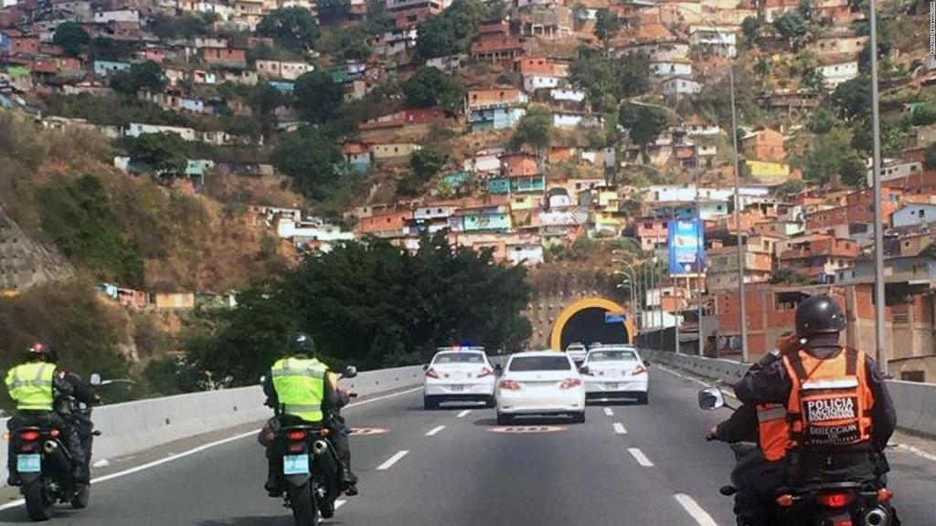 Diplomáticos de EE.UU. abandonan Caracas