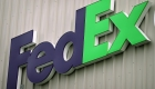 FedEx reporta caída en ventas y ganancias en el tercer trimestre