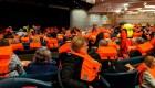 Rescatados de crucero varado describen el drama vivido