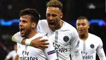 ¿Le pegó Neymar a un hincha de fútbol?