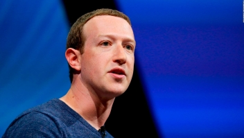 ¿Qué sugiere Facebook para regular la internet?