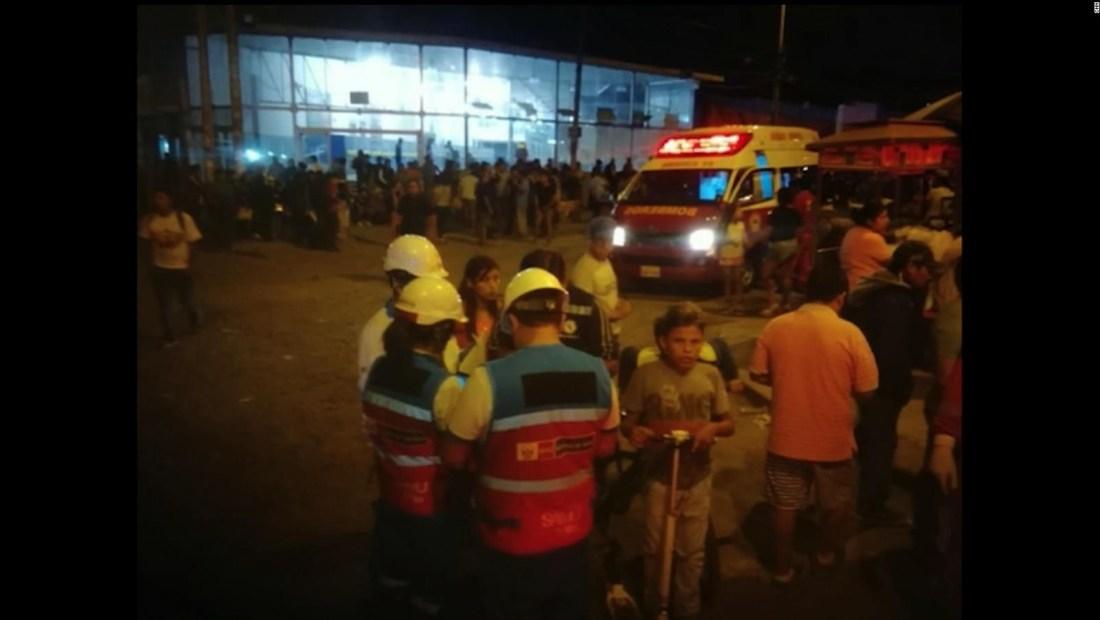 Autobús de pasajeros se incendia y deja varios muertos en Perú