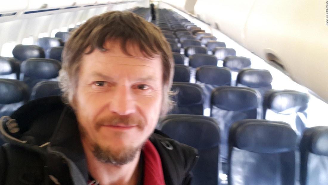 Viajar solo en un avión de 189 asientos