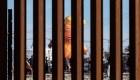 """El globo """"Baby Trump"""" voló en la frontera"""