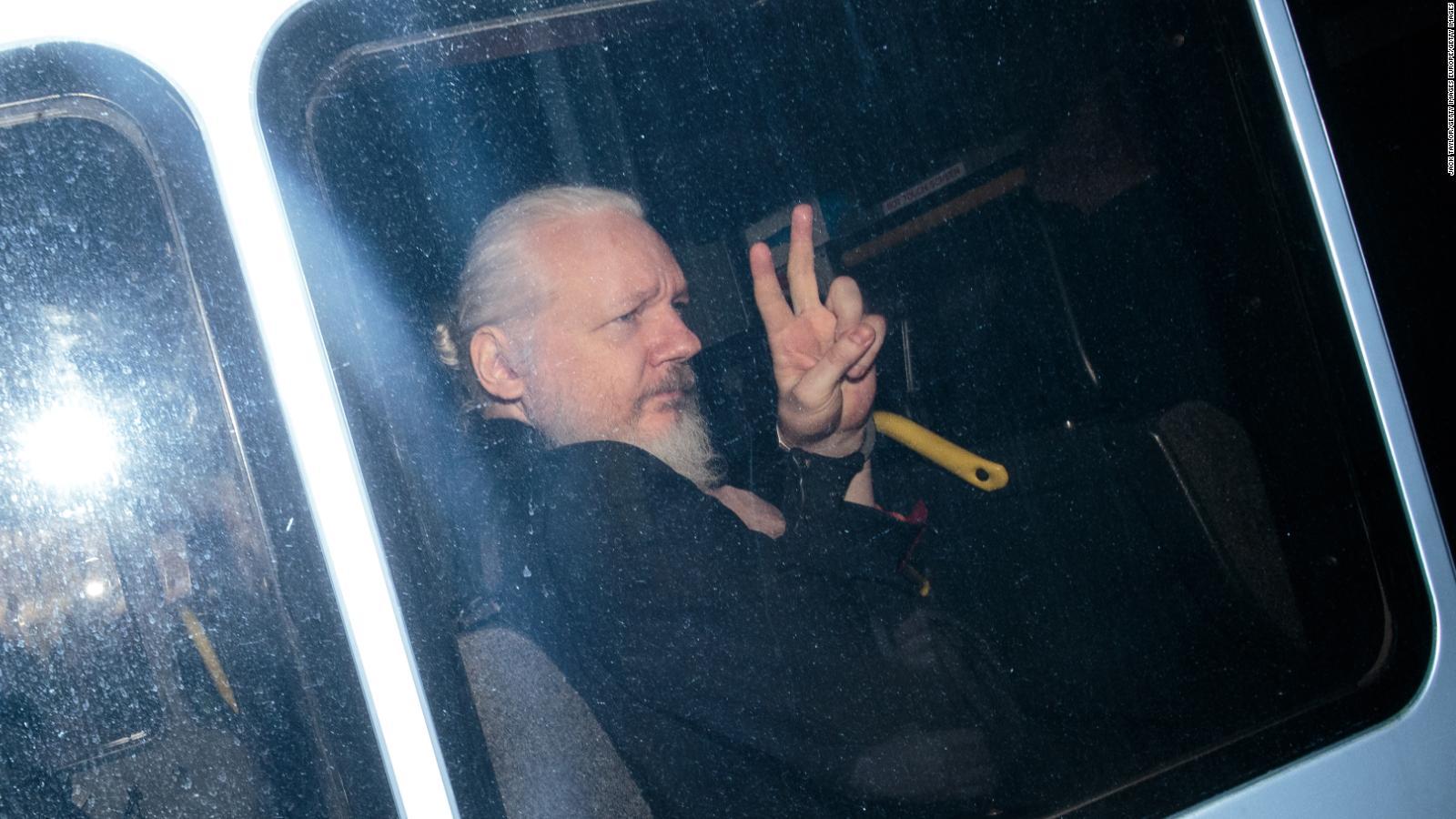 ¿Existen irregularidades en el asilo de Assange?