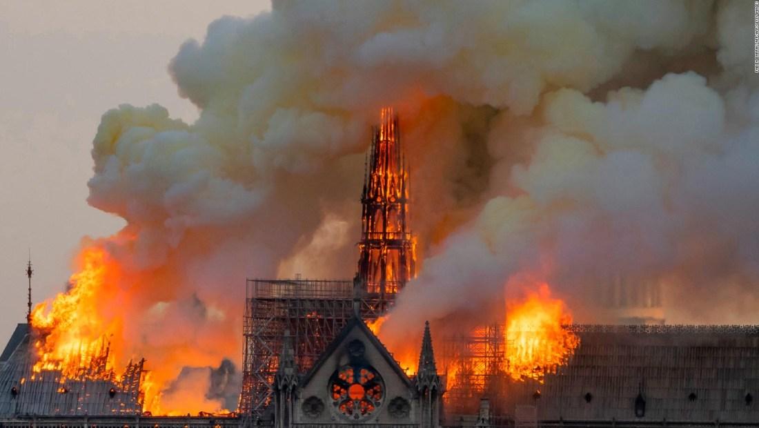 #HechoDelDía Arde catedral de Notre Dame