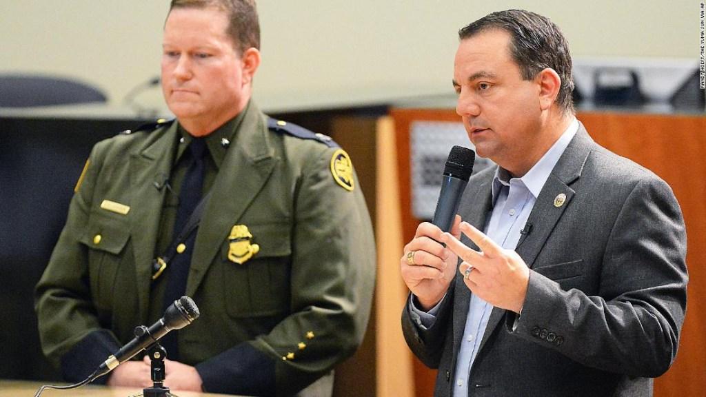 Alcalde Arizona emergencia inmigrantes
