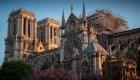 Autoridades investigan que causó incendio en Notre Dame