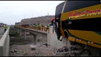 Perú: Accidente de autobús deja varios muertos y heridos