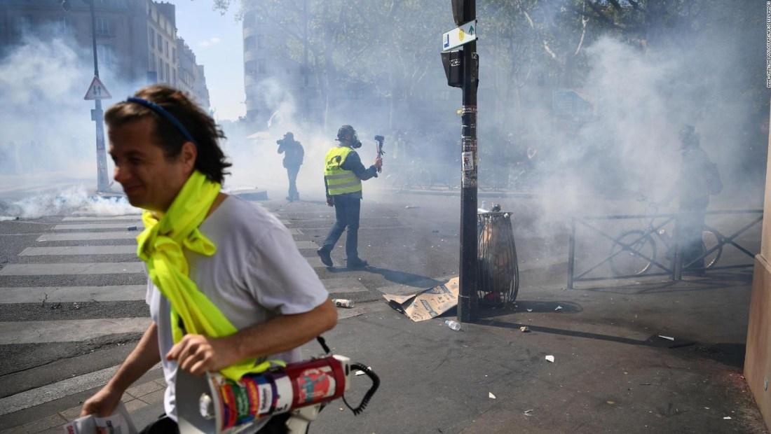 Protesta de 'chalecos amarillos' en París termina con incidentes