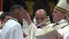 Peruano es bautizado por Francisco
