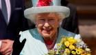 Con cañonazos celebran los 93 años de la reina Isabel