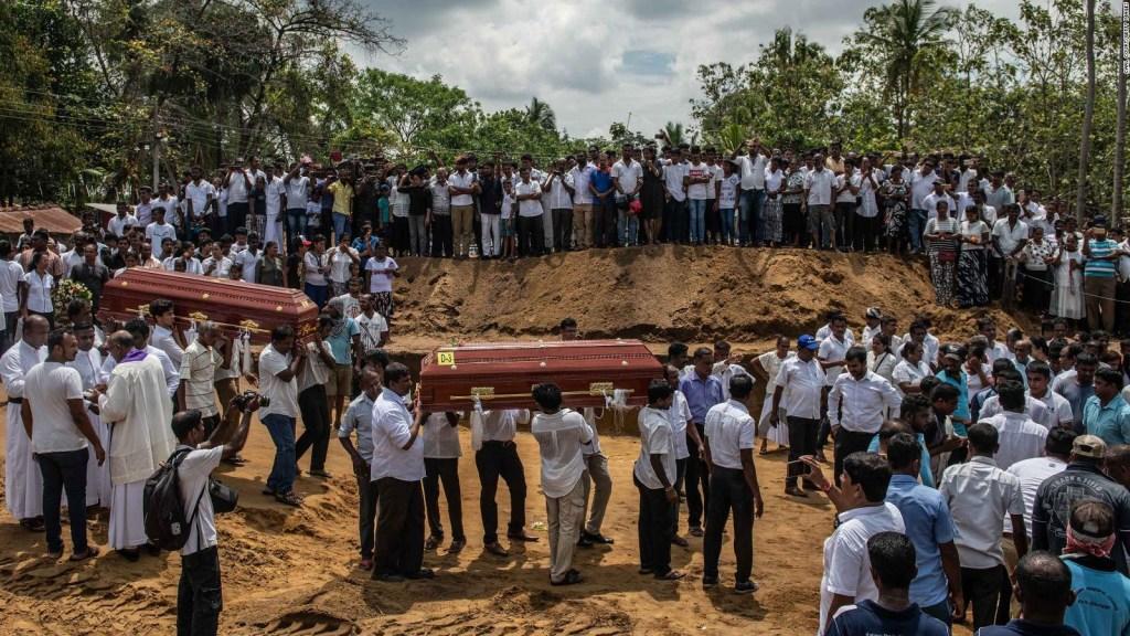 Comienzan los funerales tras los atentados en Sri Lanka