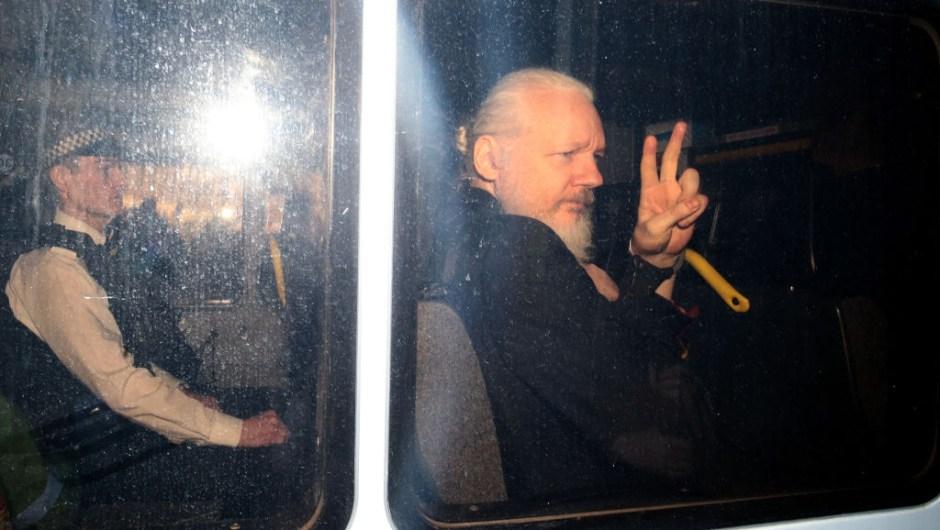 assange fotos embajada arresto detención extradición Ecuador Londres