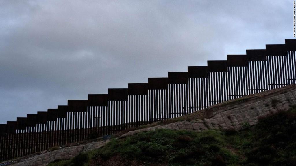 Juez impide Trump recursos Defensa muro