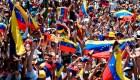 Venezolanos marchan pese al temor a la represión