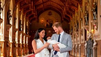 """Enrique y Meghan presentan a su bebé: """"Es mágico"""""""