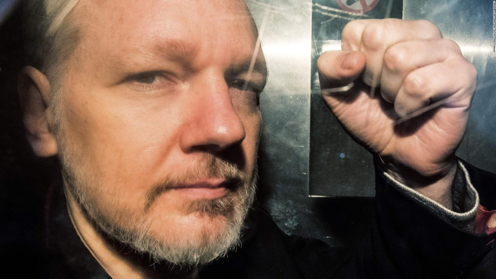 Inconsistencias en proceso de nacionalidad a Assange