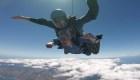 #LaImagenDelDía: salto en paracaídas para celebrar 91 años