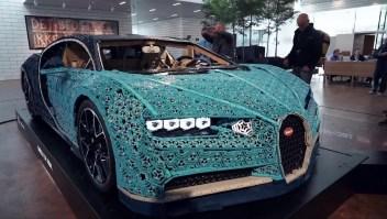 Un Bugatti hecho de legos