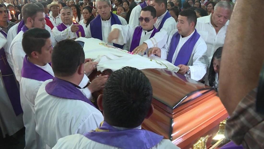 Gobierno de El Salvador condena homicidio de sacerdote
